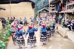 白倮寨里不一样的彝族风情